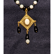 Triple Drop Italian Renaissance Necklace - White Agate and Onyx